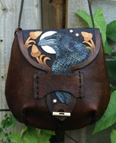 Raven Bag huginn muninn must be on the reverse - Sale! Shop at Stylizio for womens and mens designer handbags luxury sunglasses watches jewelry purses wallets clothes underwear Leather Tooling, Leather Purses, Leather Totes, Tooled Leather, Leather Bags, Leather Clutch, Leather Satchel, Green Man, Army Green