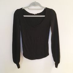 EMPORIO ARMANI BLACK LONG SLEEVE KNIT Gently worn, beautiful knit. Feel free to make an offer! all my prices are flexible :) Emporio Armani Sweaters Crew & Scoop Necks