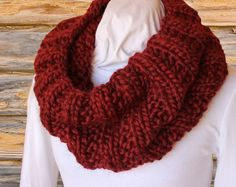 Knitting Pattern for Cowl using  Chunky yarn - quick to knit pattern