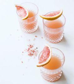 Avancerade cocktails med olika smaker i all ära – men ibland vill man bara ha en god drink som är enkel att göra och knappt tar någon tid alls. Här är 9 stycken!