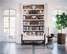 One of our favorite moments in 2013? Kay O'Toole's Exquisite Bookshelf.  Click for our full list of the Top 20 Interiors of the year!