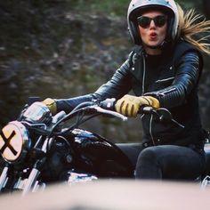 Biker girl ❤️ Women Riding Motorcycles ❤️ Girls on Bikes ❤️ Biker Babes ❤️ Lady Riders ❤️ Girls who ride rock ❤️ Ducati Monster, Lady Biker, Biker Girl, Moto Vespa, Women Riding Motorcycles, Honda Motorcycles, Vintage Motorcycles, Custom Motorcycles, Chicks On Bikes