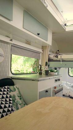Caravan Interior Makeover, Caravan Renovation, Campervan Interior, Camper Makeover, Small Travel Trailers, Caravan Decor, Bus House, Vintage Caravans, Remodeled Campers