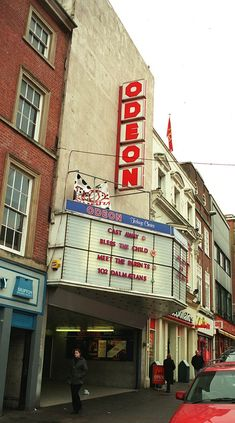My first job was there, great memories! Nottingham City Centre, Nottingham Uk, Great Memories, Childhood Memories, Victorian Buildings, Theatres, Sunderland, Old Photos, 1920s