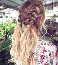 @emmachenartistry ・・・ No tengo melena ahora y tampoco ya edad para ponerme estas trenzas, pero eso no quiere decir que no me muera de envidia al verlas... • I don't have long hair at this moment and probably I'm just too old for them but I loooove this braided hairdo. #braid #braids #trenza #trenzas #peinado #hairdo #hairstyle #invitadaperfecta