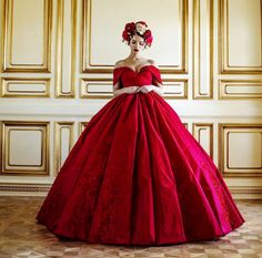 Red   Rosso   Rouge   Rojo   Rød   赤   Vermelho   Maroon   Ruby   Color   Colour   Texture   Form   Pattern  