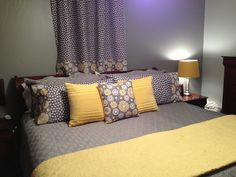 Grey and yellow bedroom minus the polka dots My New Room, My Room, Home Decor Bedroom, Master Bedroom, Bedroom Ideas, Yellow Gray Room, White Quilt Bedding, Pastel Room Decor, Room Colors