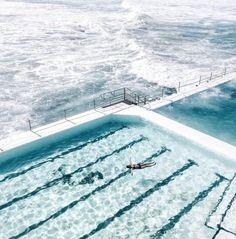 Bondi Beach – one of the most iconic places in Australia – Hier sind die besten Sightseeing-Touren der Welt. Destinations, Bondi Beach, Beach Pool, To Infinity And Beyond, Belle Photo, Santorini, Places To See, Adventure Travel, Wanderlust