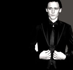 the best man dress i've ever seen. #TomHiddleston