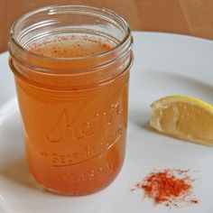 """Soothe That Sinus Pain: Apple Cider Vinegar Brew. cup water cup unfiltered apple cider vinegar 1 tablespoon honey 1 teaspoon cayenne pepper 1 wedge lemon (sounds like the """"master cleanse"""" recipe? Cold Remedies, Health Remedies, Natural Remedies, Sinus Remedies, Healthy Drinks, Healthy Tips, Detox Drinks, Healthy Routines, Healthy Recipes"""