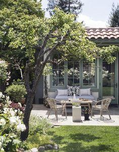 A bluestone patio in a Mill Valley, CA backyard.