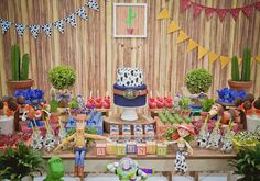 toy story: festa infantil decorada com os personagens do filme