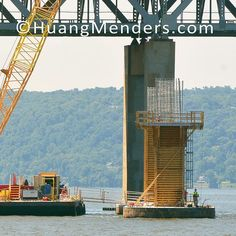 Construction crews on the Hudson River are setting the permanent piles for the foundation of the New NY Bridge which is designed and constructed to last 100 years. For high resolution images of this project see our BIG IDEAS gallery at www.HuangMenders.com #newnybridge #tappanzeebridge #hudsonriver #huangmenders #bigideas #iloveny #iheartny #andrewcuomo To see insider views and behind-the-scenes follow us on Instagram: http://bit.ly/HMPhoto1 Facebook: http://bit.ly/HMPFB Wordpress…