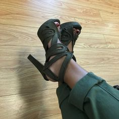 Green sandals #heels