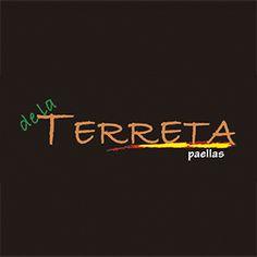 Auténtica paella, respetando los sabores clásicos de la cocina valenciana Paella Valenciana, de mariscos, mixta, arroz vegetariano en paella, tapas variadas y sangría. Tapas, Paella Valenciana, Neon Signs, Seafood, Beverages, Food Items, Cooking
