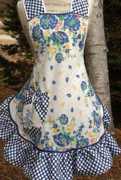 Grandma Estelle's Apron by ZigZagity. Retro Apron, Aprons Vintage, Homemade Aprons, 1940s Woman, Cute Aprons, Linen Apron, Sewing Aprons, Love Sewing, Sewing Hacks