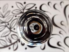 """Une photo prise dans la galerie L'Ecurie de l'hôtel de Guines, à Arras, lors de l'exposition """"Accords majeurs"""" du collectif Artzimut. Se mêlaient dans cette galerie des oeuvres de Sophie Huet (meubles, objets) et de Hafem (bandes, panneaux, plaques). Les Oeuvres, Silver Rings, Photos, Jewelry, Radiation Exposure, Furniture, Objects, Paper, Pictures"""