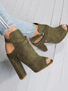 Women's Boots - - 30 Stunning Heels That Are So Gorgeous Every Woman Would Desire To Ha Crazy Shoes, Me Too Shoes, Dream Shoes, Heeled Boots, Shoe Boots, Women's Shoes, Strappy Shoes, Ankle Boots, Shoes Sneakers