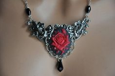 BERTHIA This is an original design by Cynthia Couture Bridal This beautiful necklace features a lovely victorian style design which has layers of filigree Berthia has a x MM vintage