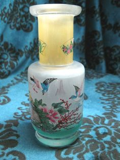 "Chinese Reverse Inside Painting Chinese Birds Snuff Glass Bottle 5""H x 2 3DIA 