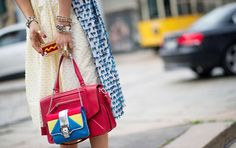 Bag + accessories = Look Perfect