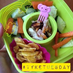 #tyketuesday  ❤️ carrots / cucumbers ❤️ roasted chicken ❤️ plantain chips #kidapproved #paleo #jerf #keepitpaleo #schoollunch #pslunch #grainfree #glutenfree #love #food #fitfood #instafood K