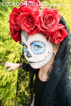 DIY no-sew sugar skull costume (and Fright-Tastic Halloween Home Tour)