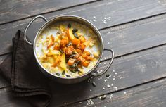 Celebrate fall with this oatmeal full of the flavor of the season. Eat Seasonal, Food Waste, One Pot Meals, Pumpkin Recipes, Breakfast Recipes, Breakfast Ideas, Macaroni And Cheese, Oatmeal, Curry