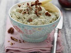 Nivová pomazánka s hruškami a ořechy Potato Salad, Mashed Potatoes, Ethnic Recipes, Food, Whipped Potatoes, Smash Potatoes, Essen, Meals, Yemek