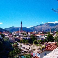 #mostar is a little city in #bosnia and a not so comment destination. However worth a visit when traveling through #croatia.  #beautifulviews #beautifuldestinations #wandering #wander #travel #travelgram #traveltips #traveltheworld #travelinspirations #wanderlust #beautifulcity  Photo by @travelinspiration.be  www.travelinspiration.be