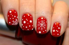 I am presenting before you a post of 20 Christmas snowflake nail art designs & ideas of these Xmas nails are worth trying. Christmas Manicure, Xmas Nails, Christmas Nail Designs, Christmas Nail Art, Holiday Nails, Red Nails, Snow Nails, Christmas Time, Christmas Snowflakes
