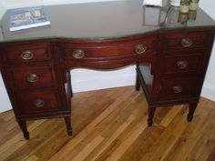 Antique Mahogany Bedroom Set: I Have A Vanity Just Like This One!