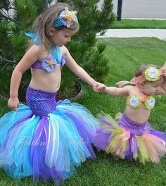 Mermaid Halloween Costume Tutu, I would make the top a little less scandalous for a child. But cute tutu idea! Mermaid Halloween Costumes, Toddler Halloween Costumes, Baby Costumes, Mermaid Costume Kids, Halloween Clothes, Diy Halloween, Little Mermaid Birthday, Little Mermaid Parties, The Little Mermaid