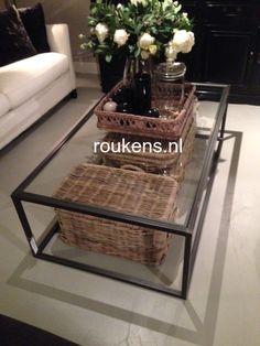 Deuren / Stalen / metalen salontafel met glas