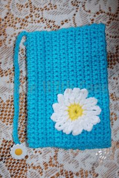 """This Tutorial """"Glama's Crocheted Daisy Book Cover Lesson For Beginners"""", was made because Many People have asked me for this Pattern, I dont really know How ..."""