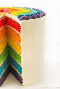 Rainbow Cake with Jelly Beans Source: Raspberri Cupcakes Where food lovers unite. Jelly Beans, Cupcakes, Cupcake Cakes, Cupcake Ideas, Sweet Recipes, Cake Recipes, Rainbow Layer Cakes, Birthday Cake Pictures, Beautiful Birthday Cakes