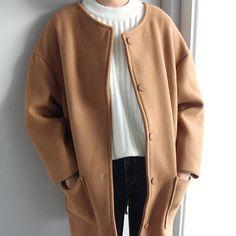 고급스럽게 제작된 카멜 컬러의 코트! 칙칙하지 않은 예쁜 컬러로 나왔구요 울 함유량도 높아서 무척 고급스러워유🙌