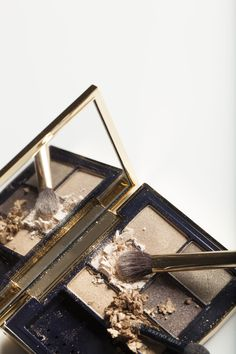 Nude eyeshadow palette / Can't live without Make Up Art, Make Me Up, Nude Eyeshadow, Eyeshadows, Eyeshadow Palette, Estee Lauder Makeup, Tips Belleza, Color Stories, Beauty Make Up