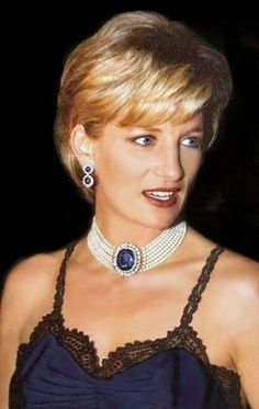 Princess Diana's Sapphire & Pearl Choker Photo (C) GETTY IMAGES For all the Photos and More : http://www.viral-news.net/for-the-very-first-time-revealing-some-unknown-facts-about-princess-diana/#.V406AOsrLIU