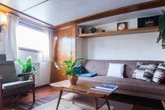 Cosy Skippers Home Houseboat in Amsterdam