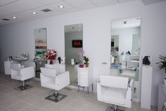 sooo nice.. I want to open a Blow Dry Bar someday.. =)