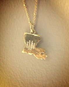 Monogrammed Louisiana necklace-- I want to find where this came from and see if they have TN!!