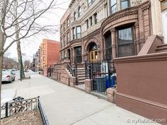 Have you ever dreamed of living in a #NYC brownstone? Read more about this #roommate #share here: http://www.nyhabitat.com/new-york-apartment/roommate-share/16160