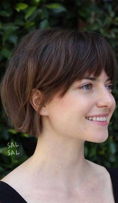 Best Low Maintenance Haircuts and Hairstyles For Effortless Stylish Looks Thin Hair Haircuts, Hairstyles With Bangs, Cool Hairstyles, Straight Hairstyles, Short Hairstyles With Fringe, Layered Haircuts Short Hair, Short Hair Cuts For Women With Bangs, Asian Haircut Short, Short Hair Girls