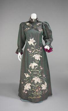 Victorian/ Edwardian tea gown. orientalism in fashion