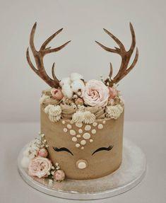 New Year & # s Eve Countdown ✨ plaats? De foto van deze schattige cake… New Year & # s Eve Countdown place ? The photo of this cute cake that I have – Torten – one Pretty Cakes, Cute Cakes, Cake Cookies, Cupcake Cakes, Cake Fondant, Reindeer Cakes, Sweet Cakes, Creative Cakes, Cupcake Creative