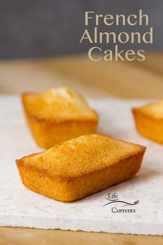 These little tea cakes or Financiers (French Almond Cakes) are lovely little b Mini Desserts, Easy Desserts, Delicious Desserts, French Desserts, Almond Financier Recipe, Financier Cake, Oreo Dessert, Baking Recipes, Cake Recipes