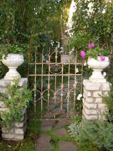 Would like to see the beauty beyond that gate.
