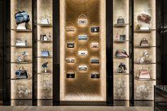 Fendi Flagship Store in Rome Restored by Curiosity — urdesignmag Showroom Interior Design, Boutique Interior, Retail Interior, Top Interior Designers, Handbag Display, Shoe Display, Display Design, Display Case, Shoe Store Design