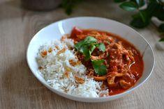 Poulet au curry, tomates et lait de coco : la recette facile faite maison